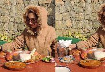 Pooja Banerjee enjoying food