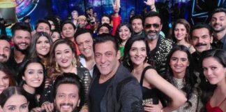 Salman Khan Mega Selfie