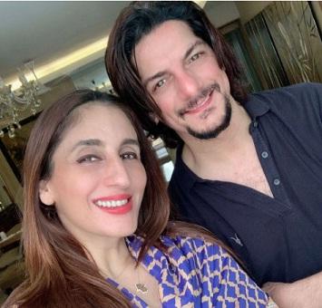 Farah Khan with husband