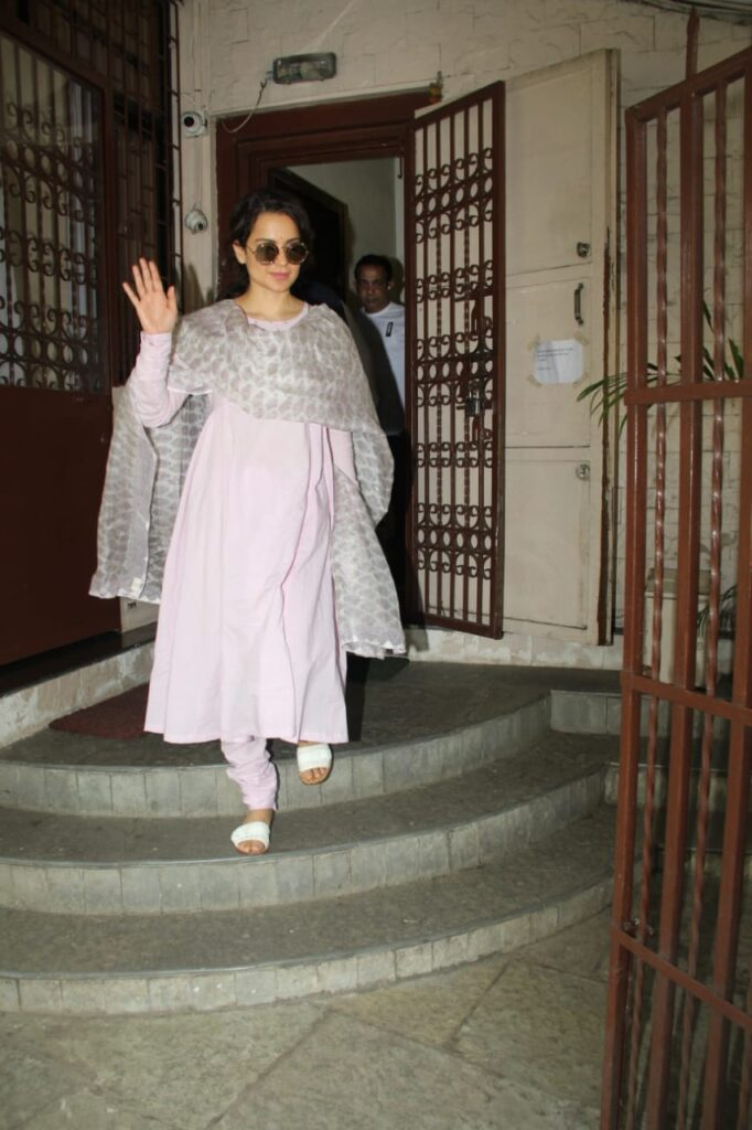 Kangana Ranaut Snapped At dubbing Studio in Bandra today