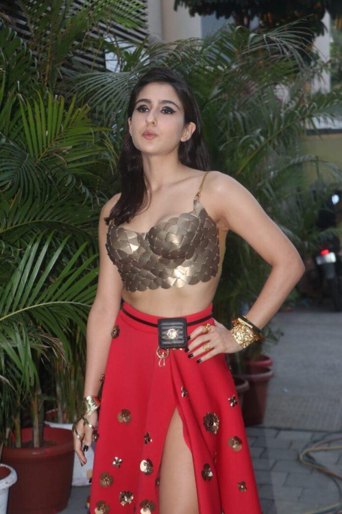 Sara Ali Khan clicked at estella in Juhu