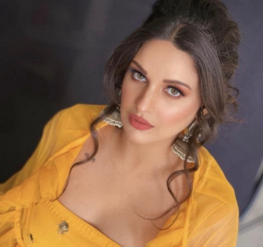Himanshi Khurana Actress